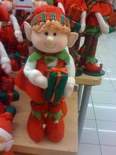 Ayudante de Santa                                                       … Christmas Elf Doll, Xmas Elf, Christmas Sewing, 1st Christmas, Christmas Projects, Handmade Christmas, Christmas Stockings, Christmas Centerpieces, Christmas Decorations