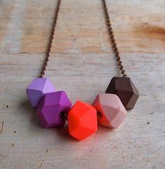 Collar de otoño púrpura Pop Geo por fruitloopjewellery en Etsy