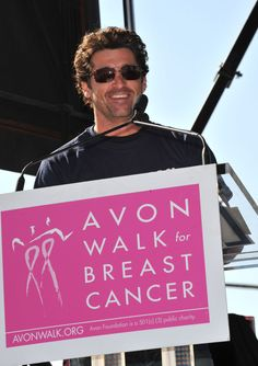At the 2009 Avon Walk for Breast Cancer Los Angeles Closing Ceremony, Patrick Dempsey speaks to the crowd.
