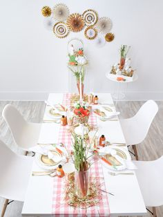 "How to set a gold themed table for a ""24 Carrot Gold"" Easter Brunch! Get details and more easter party inspiration now at fernandmaple.com!"