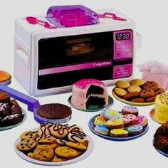 Easy-Bake Oven | The 14 Best Food-Themed Toys Of Your Youth