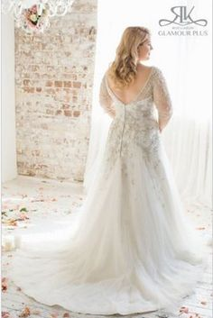 Acacia, Roz La Kelin Glamour Plus Collection | 31 Jaw-Dropping Plus-Size Wedding Dresses