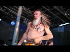 Repeat Clann An Drumma - Culloden (Scottish tribal drumming and bagpipes) Scottish Bands, Scottish Music, Music Songs, My Music, Celtic Tribal, Great Music Videos, Like Fine Wine, Watch Photo, Men In Kilts