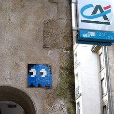 Les invasions marrantes de Space Invaders Par mr pop le mardi 12 octobre 2010, 21h06 - Graphisme - Lien permanent arcade art urbain graphic design graphisme invader mosaïque nantes pixel art space invader street art urban art Space invaders - Art urbain Graphic Design © Invader
