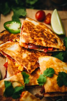 Tandoori Veggie Quesadillas – The Chutney Life These quesadillas are a great Indian Mexican fusion recipe you can try out for a weeknight dinner, lunch or even if you are entertaining guests! recipe for guests Tandoori Veggie Quesadillas Clean Eating Vegetarian, Vegetarian Recipes Dinner, Clean Eating Recipes, Dinner Recipes, Vegetarian Diets, Quesadillas, Veggie Quesadilla, Chutney, Lunch Recipes Indian