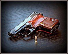 Beretta 25ACP. / 6.35 mm Pocket Pistol Find our speedloader now!  http://www.amazon.com/shops/raeind