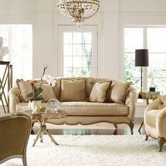 Se tem uma coisa que é essencial na sala de estar são as almofadas. Todavia, sempre surge a questão: como organiza-las? Veremos esse tema h...
