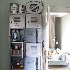 Ähnlich ist IKEA PS Schrank 99,99 Metall, lackiert. 37×40cm, 190cmhoch.