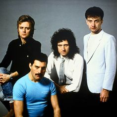 Well that blue shirt truly is something <---- isn't that the blue shirt that deaky wore at rock montreal 1989 Queen Images, Queen Pictures, Queen Photos, Great Bands, Cool Bands, Queen Brian May, Queen Ii, Roger Taylor, Queen Freddie Mercury