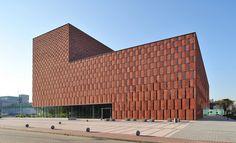 Centrum Informacji Naukowej i Biblioteka Akademicka / city: Katowice / design: HS 99