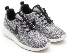Nike Roshe Run GPX Premium   White/Black