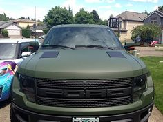 love the military green.. Ford Raptor