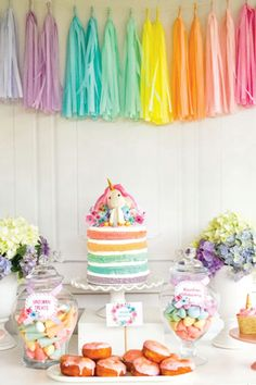 If you love how a Unicorn Theme Party look, then you will love this post. I selected Unicorn Theme Party Ideas you don't want to miss! Colorful Birthday Party, Unicorn Birthday Parties, First Birthday Parties, Birthday Party Decorations, Girl Birthday, First Birthdays, Craft Party, Summer Birthday, Pastel Party Decorations