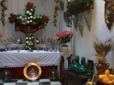 Altar Cruz de Mayo Marbella Old Town, Altar, Beautiful Places, Table Decorations, Home Decor, Decoration Home, Room Decor, Home Interior Design, Dinner Table Decorations