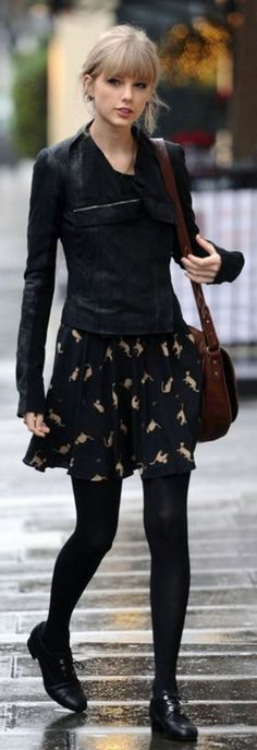 Taylor Swift Street Style Layering this black jacket over her black ensemble adds a little edge to the whimsical dress. via StyleList Look Fashion, Fashion News, Fashion Trends, Fashion Black, Steampunk Fashion, Gothic Fashion, Vintage Fashion, Fall Winter Outfits, Autumn Winter Fashion