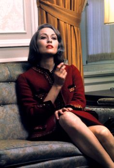 """Adger W. Cowans, Faye Dunaway in """"Puzzle of Downfall Child"""" directed by Jerry Schatzberg, 1970 Faye Dunaway, Looks Style, Looks Cool, Classic Hollywood, Old Hollywood, Hollywood Girls, Jerry Schatzberg, Beautiful People, Beautiful Women"""