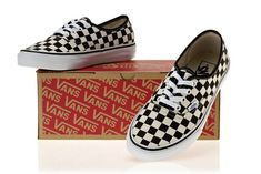 bb5a5f0b8e36 VANS Classic Men and Womens Sneakers Checkerboard lattice white black grid  tie canvas shoes