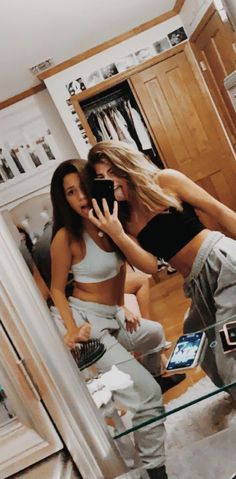 Source by alberteeeee friend goals Photos Bff, Friend Photos, Cute Photos, Bff Pics, Shooting Photo Amis, Flipagram Instagram, Best Friend Fotos, Best Friend Pics, Shotting Photo