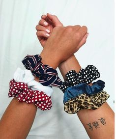 Hair Accessories Jewelry Scrunchies & Hair accessoiries & Accessoiries & Inspiration & More on Fashionchick & Womens Fashion Online, Latest Fashion For Women, Hair Accessories For Women, Clothes For Women, Twist Headband, Trendy Swimwear, Outfit Trends, Hair Jewelry, Jewellery
