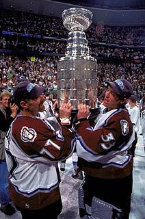Ray Bourque and Patrick Roy. I cried like a baby when this happened. Kings Hockey, Hockey Girls, Hockey Mom, Hockey Teams, Hockey Rules, Bruins Hockey, Hockey Stuff, Ray Bourque, Maple Leafs Hockey