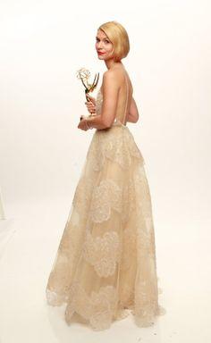 Claire Danes (de Armani) recoje su Emmy a la Mejor Actriz de Drama 2013.
