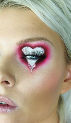 i heart eye Makeup Inspo, Makeup Art, Makeup Inspiration, Makeup Tips, Beauty Makeup, Color Contacts For Halloween, Halloween Makeup, Fantasy Hair, Fantasy Makeup