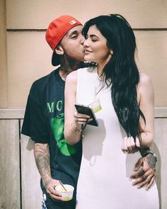 Shared by kylie for president. Find images and videos about couple, goals and kylie jenner on We Heart It - the app to get lost in what you love. Tyga And Kylie, Kyle Jenner, Kylie Jenner Outfits, Kendall And Kylie Jenner, Jenner Girls, Travis Scott, Rapper, Jenner Sisters, Jenner Style