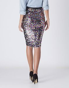 Preciosa falda lápiz con paillettes. Falda: Suiteblanco.com