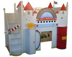 autobett- Kinderbett als Hochbett, ausgestattet mit Treppe und Licht