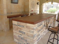 Concrete-Bar-Top-Austin-L.jpg 720×540 pixels
