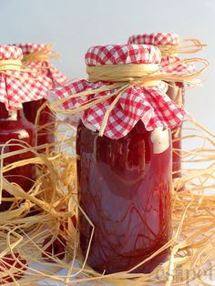 Pesto, Ketchup, Preserves, Gift Wrapping, Gifts, Food, Automata, Canning, Red Peppers