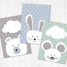 3 Karten zum Verschenken, Einladen oder Dekorieren. Die Wolke bei Bär und Maus bietet Platz für deinen ganz eigenen Gruß oder den Namen des Kindes wenn du die Karte als Dekobild verwenden...