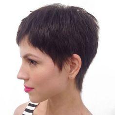 Short Brunette Layered Pixie Very Short Pixie Cuts, Best Pixie Cuts, Short Layered Haircuts, Short Hair Cuts, Short Hair Styles, Blonde Pixie, Brunette Pixie Cut, Red Pixie, Brunette Hair