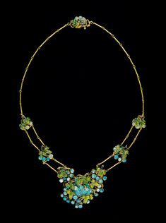 Necklace, ca. 1904 Louis Comfort Tiffany (American, 1848–1933) Opals, gold, enamel Overall L. 18 in. (45.7 cm)