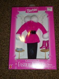 Vintage-Barbie-Fashion-Avenue-Boutique-Pink-Fur-Coat-14980-Boot-Ski-1996-MIB
