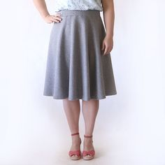 Learn how to sew a cute, casual skirt with this easy to follow half circle skirt sewing tutorial.