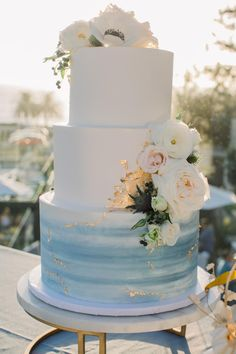 An Elegant Seaside Wedding With A Family Heirloom You'll Just Have to Read About! Elegant Birthday Cakes, Pretty Wedding Cakes, Wedding Cakes With Cupcakes, Elegant Wedding Cakes, Wedding Cake Designs, Elegant Cakes, Beach Wedding Cakes, Different Wedding Cakes, Simple Elegant Wedding