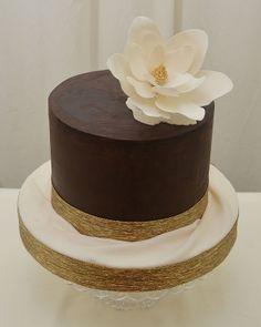Rustic Ganache with a Magnolia - Cake by Sugarpixy Chocolate Birthday Cake Decoration, Birthday Cake Decorating, Cake Decorating Tips, Cupcakes, Cake Truffles, Cupcake Cakes, Pretty Cakes, Beautiful Cakes, Chocolates
