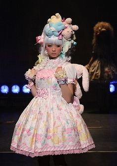 Sweet Lolita Catwalk I absolutely love how serious business she is with a wig full of upside down bears