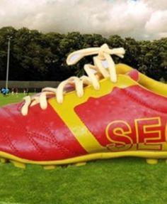 STAR IMPACT GALAXY (INDOOR) Football Shop, Hiking Boots, Indoor, Stars, Interior, Sterne, Star