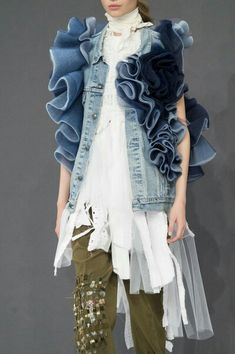 Look 13 at Viktor & Rolf Fall 2016 Couture Collection Runway Show - Paris Fashion Week - Model: Victoria Kosenkova Denim Fashion, Fashion Art, High Fashion, Fashion Show, Womens Fashion, Fashion Design, Fashion Trends, Emo Fashion, Gothic Fashion
