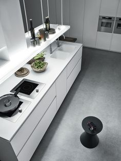 Lacquered kitchen with island without handles CLOE - COMPOSITION 1 - Cesar Arredamenti