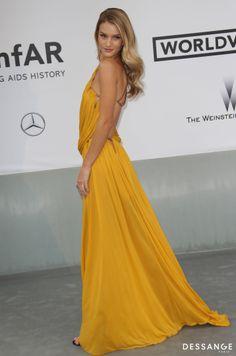 Rosie Huntington Soirée AmfAR (Photo YAN MAISANI) #Cannes2014 #DESSANGE Star Francaise, Palais Des Festivals, Formal Dresses, Pictures, Fashion, Cannes Film Festival, Dancing With The Stars, Hairstyle, Dresses For Formal
