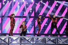 """SHINee「<ライブレポート>SHINee、5本の赤いバラは""""あなたに出会えてよかった"""" 涙と温かさに溢れた東京ドーム公演でのベストライブ」1枚目/10"""
