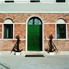 Double leaf Evolution door with transom window by Oikos Venezia. www.oikos.it