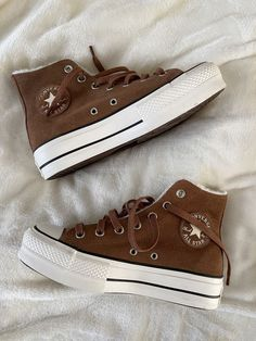 Dr Shoes, Swag Shoes, Nike Air Shoes, Hype Shoes, Me Too Shoes, Shoes Sneakers, Brown Sneakers, High Top Sneakers, Mode Converse