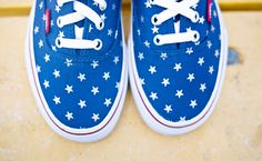 VANS AUTHENTIC STUDDED STARS WOMENS SHOES