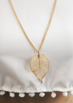 Pretty Leaf Pendant #Necklace 17,90 € #happinessbtq