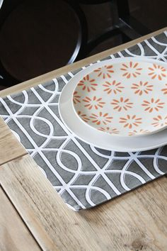 Can't get enough of mix-and-match place settings.