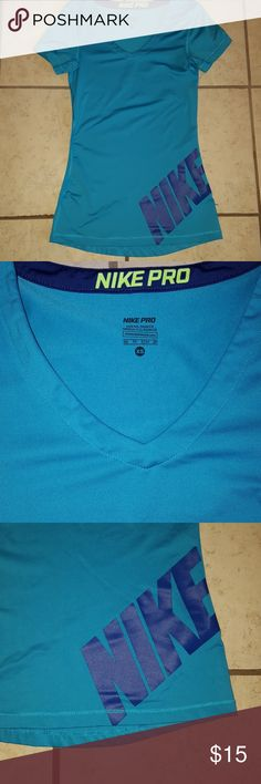 4 for $10 Nike Work out top EUC Nike Pro work out top Nike Tops Tees - Short Sleeve